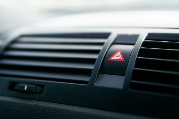 Pulsante di allarme auto