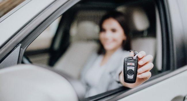 Caratteristiche essenziali per la sicurezza in auto