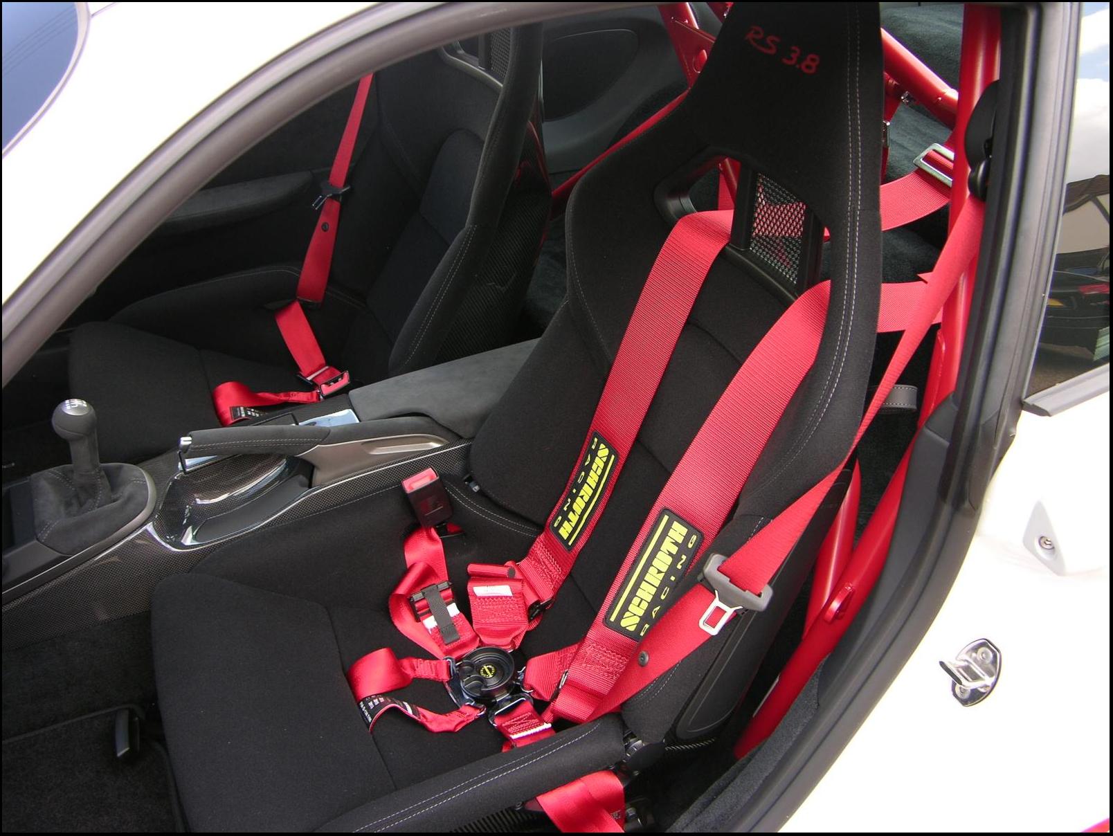 Le migliori caratteristiche di sicurezza per l'auto